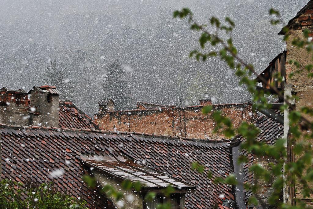 Brașov, ninsoare de primăvară